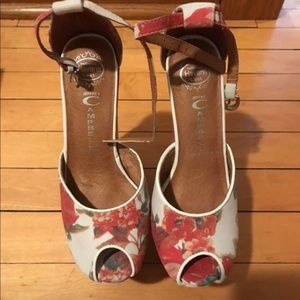 Never worn Jeffrey Campbell leather sandals.